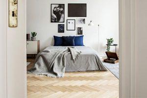 laying vinyl plank flooring