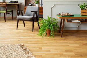 is vinyl flooring better than laminate