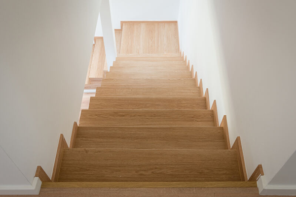 can you use vinyl on stairs