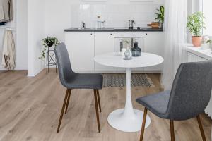dining room vinyl flooring